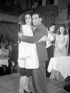 Maria Felix y Mario Moreno 'Cantinflas'. Brilliant Mexican actors!! #LoveMexico #IwannagotoMexico http://gotomexico.co.uk/