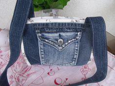 Riflová+kabelka+100%bavlna+uvnitř+tři+kapsičky+na+zip+ucho+přes+rameno+praní+na+40+délka+ucha+91+cm+velikost+taštičky+21x20+cm