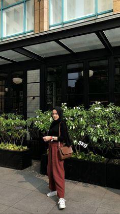 Hijab Style Dress, Modest Fashion Hijab, Modern Hijab Fashion, Street Hijab Fashion, Casual Hijab Outfit, Hijab Fashion Inspiration, Ootd Hijab, Hijab Chic, Muslim Fashion
