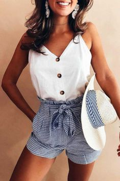 36 The most popular casual outfits to improve your style. - Summer fashion ideas - 36 The most popular casual outfits to improve your style. Fashion Mode, Look Fashion, Fashion Ideas, 80s Fashion, Fashion Shorts, Feminine Fashion, Fashion Hacks, Holiday Fashion, Fashion Outlet
