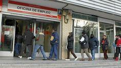 Los parados en España con prestación por desempleo cobran el 61% de su salario menos que la media europea