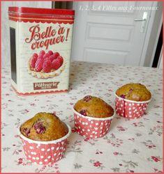 Voici une recette rapide que vous pouvez réaliser avec les enfants pour leur goûter. Ingrédients pour 6 muffins : - 150 g de cerises (congelées pour moi) - 200 g de farine - 80 de noisettes en poudre - 100 g de sucre (rapadura pour moi) - 12 cl de lait...