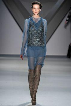 Vera Wang Fall 2012 Ready-to-Wear Fashion Show - Iris Egbers