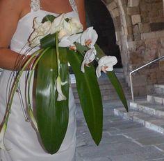 TUNDRA - Isa. Bouquets. ramo de novia. casacada. orchid. phalaenopsis. cala. wedding.