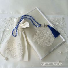 Kur'an-ı Kerim Kılıfı&Tesbih Kesesi&Tesbih Takımı Ribbon Work, Prayer Beads, Potpourri, Home Textile, Marie, Burlap, Prayers, Shades Of Blue, Embroidery