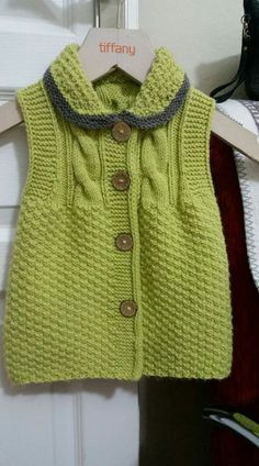 "diy_crafts- Para maxi ""baby & kids knits na Stylowi."", ""This post was discovered by Ayl"" Diy Crafts Knitting, Knitting For Kids, Free Knitting, Baby Cardigan Knitting Pattern, Baby Knitting Patterns, Baby Patterns, Gilet Crochet, Knit Crochet, Baby Dress Design"