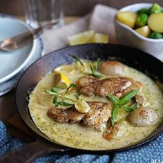 Kremet kylling med estragon - ENEstående Mat   ENEstående Mat A Food, Curry, Chicken, Meat, Ethnic Recipes, Curries, Cubs