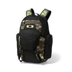 Oakley Blade Wet Dry 30L Backpack in OLIVE CAMO  c2a96870f3