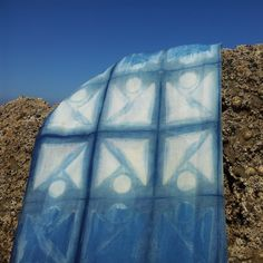 Shibori en la roca *** Shibori on the rock #ShiboristasEnLaPlaya *** #ShiboriLoversInTheBeach