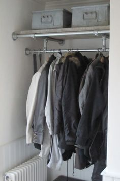 5 Tips For Better Closet Management With Industrial Pipe Hallway Storage, Closet Storage, Storage Shelves, Diy Outfits, Walk In Wardrobe, Wardrobe Rack, Diy Zelt, Pipe Closet, Diy Clothes Rack