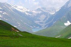 #PlaceToTravel #pakistan #kashmir > @FarhanKVirk The pristine Saral lake, Azad Kashmir, Pakistan, you can hike there from Besal, Naran #Pakistan #Travel #nature