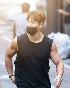 Running Man Funny, Kim Jong Kook, Kim Jung, Ulzzang, Kdrama, Haha, Tank Man, Korean, Muscle