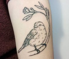 A sparrow tattoo is likely one of the most uncommon tattoo designs as we speak. Right here one can find details about the that means and symbolism of the sparrow tattoo. Tattoo Designs, Unusual Tattoo, Sparrow Tattoo, Animal Tattoos, Ink, Sparrows, Instagram Posts, Content, Ideas