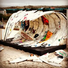 this surf art installation is awesome! this surf art installation is awesome! this surf art installa Kite Surf, Surf Art, Kitesurfing, Surfboard Art, Skateboard Art, Joan Mitchell, Usa Tumblr, Water Photography, Surf Style