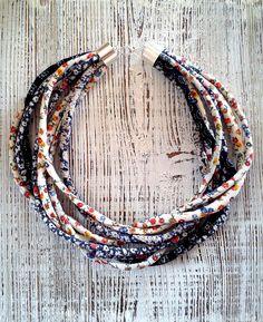 Fabric necklace Natalia Harańczyk