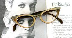 1950s 1960s Vintage CAT EYE Glasses....vintage eyewear. fancy. cat eye. 1960s accessories. classic. twiggy. designer vintage. 1950s. golden by retroandme on Etsy https://www.etsy.com/listing/198673038/1950s-1960s-vintage-cat-eye