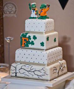 Google Image Result for http://www.dreamdaycakes.com/wp-content/uploads/2010/12/gator-wedding-cake.jpg