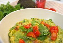 Gorgeous Guacamole - Dale Pinnock Healthy Treats, Healthy Eating, Healthy Recipes, Dale Pinnock, Healthy Family Meals, Health Foods, Health Coach, Home Remedies, Guacamole