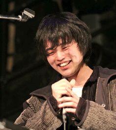 King Gnu 井口理 Rock Bands, Beautiful Men, King, Japan, Entertainment, Music, Cute Men, Okinawa Japan, Japanese Dishes