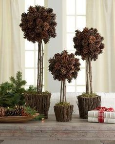 Three Alpine Pine Cone Topiaries - Adventsbasteln to go - Einrichtungs Pine Cone Art, Pine Cone Crafts, Christmas Crafts, Christmas Ornaments, Coastal Christmas, Winter Christmas, Merry Christmas, Winter Wedding Centerpieces, Thanksgiving Centerpieces