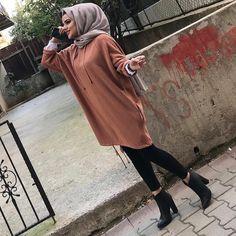 🍁 hijab fashion in 2019 Muslim Fashion, Modest Fashion, Hijab Fashion, Fashion Outfits, Chic Outfits, Hijab Dress, Hijab Outfit, Muslim Girls, Muslim Women