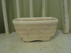 Vintage Hull pottery planter light pink by katietwoshoesvintage, $10.00