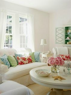 5 Skillful Tips AND Tricks: Shabby Chic Diy Decorations shabby chic style wallpapers.Shabby Chic Home Beautiful Bedrooms shabby chic modern dreams.Shabby Chic Pattern Home Decor. Fresh Living Room, Cottage Living Rooms, Home And Living, Living Room Decor, Living Spaces, Clean Living, Chabby Chic Living Room, Shabby Chic Sitting Room, Small Living