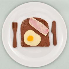 Breakfast just got a bit sweeter! This fun chocolate Egg and Bacon on toast breakfast is actually the perfect coffee time treat! Stocking Fillers For Men, Breakfast Toast, Bacon Egg, Gadget Gifts, Easter Treats, Secret Santa, Coffee Time, Easter Eggs, Chocolate