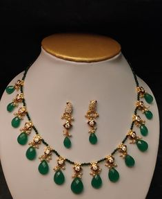 Beaded Jewelry, Beaded Necklace, Necklaces, Jewellery, Gold Shorts, Simple Necklace, Emerald, Beads, Happy