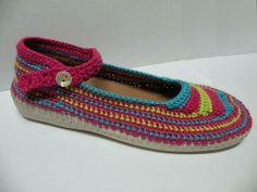PRODUCTOS | Zapatillas y accesorios tejidos con hilo
