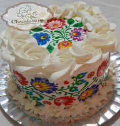 Cake with Polish embroidery! Pretty Cakes, Cute Cakes, Beautiful Cakes, Polish Embroidery, Mexican Embroidery, Mexican Birthday, Mexican Party, Polish Wedding, Decadent Food