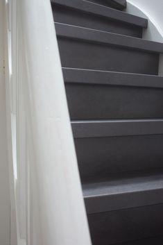 Traprenovatie laminaat Beton antraciet Ideas Para, Basement, Stairs, Home And Garden, Decorations, Home Decor, Stairway, Decoration Home, Staircases