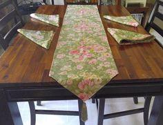 Set 4 Vtg Cloth Napkins Table Runner Tassels Sage Green Pink Roses 20 in Square