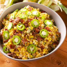 (Take out the bacon) Jalapeño Popper Creamed Corn will make your tastebuds do a double take. Creamed Corn Recipes, Veggie Recipes, Mexican Food Recipes, Chicken Recipes, Dinner Recipes, Cooking Recipes, Healthy Recipes, Tasty Videos, Food Videos