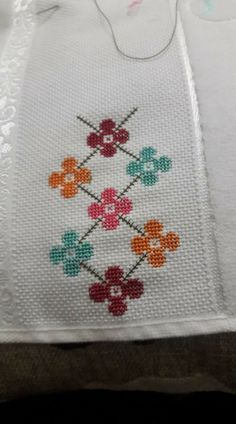 This Pin was discovered by HUZ Mini Cross Stitch, Cross Stitch Borders, Modern Cross Stitch Patterns, Cross Stitch Flowers, Cross Stitch Kits, Cross Stitch Designs, Cross Stitch Embroidery, Hand Embroidery Designs, Embroidery Patterns