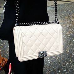 #HandbagSpy White Chanel BOY bag