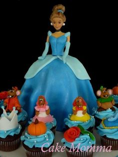 Cinderella and her mice - Cake by cakemomma1979