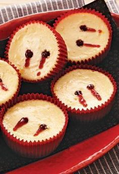 these mini cheesecakes are halloween desserts that wont bite but will have your guests digging their teeth into them