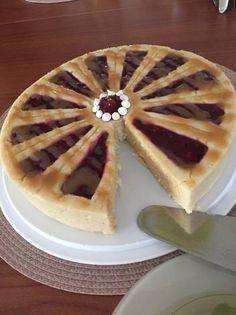 Fehércsokis tejbegríztorta pirosbogyós gyümölcsszósszal és házi karamellöntettel Hungarian Food, Hungarian Recipes, Winter Food, No Bake Cake, Waffles, Dessert Recipes, Pie, Sweets, Cakes