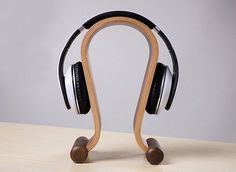 For those who are eager to store their headphones in a fashionable way, here's the Bent Polywood Headphone Holder you could make good use of.