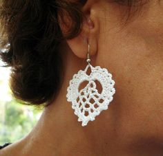 THIS IS A DIGITAL DOWNLOADABLE FILE (PDF PATTERN TUTORIAL) - NOT A PRODUCT.  -------------------------------------------------------------------------------------------------------------------------    This listing is for one of the crochet earrings patterns designed by me. A great accessory, feminine, so elegant,.... Its written in American terms. I took photos step by step. Enjoy!    Supplies:  Cotton lace thread  Round nose plier  Ear wires (2pcs.)  Thread needle  Hook    Level: easy…
