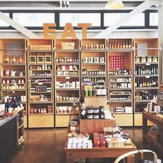 Come for the Food, Stay for the Store: 7 Stylish Restaurants With Shoppable Decor Healdsburg Shed, Cafeteria Design, Visual Merchandising Displays, Retail Store Design, Healdsburg California, Brick And Mortar, Loft Style, Cafe Design, Restaurant Design