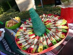 Use a sombero to hold the plastic ware for your backyard fiesta.  We love this idea!