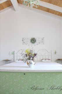 Biljana Shabby Shabby Chic Furniture, Bath Caddy