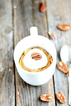 Receita de bolo de cenoura de micro-ondas na caneca #bolodecenoura #bolos #taofeminino - www.taofeminino.com.br