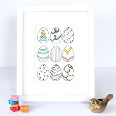 Make this simple Easter egg art print as to brighten up your home!