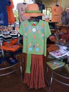 Ironwood Gift Shop at The Arizona-Sonora Desert Museum Tucson, AZ. Our helpful staff will find the right outfit for you. http://www.desertmuseumgiftshop.com/ http://www.desertmuseumgiftshop.com/site/contact.cfm