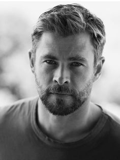Chris Hemsworth (West Riding of Yorkshire surname) Chris Hemsworth Thor, Pixie Cut, Hemsworth Brothers, Elsa Pataky, Australian Actors, Marvel Actors, Hollywood Actor, Celebrity Dads, My Guy