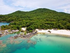 Nkwichi on the Mozambican side of Lake Malawi. Best Honeymoon Packages, Mozambique Beaches, Forest Bathing, Game Reserve, Beach Hotels, Africa Travel, Vacation Destinations, Dream Vacations, Aerial View
