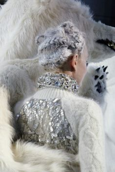 Parties Moncler Gamme Rouge Fall 2013 www.be warm winter, we need warm coat ,so mordern down coat, my best loved moncler. Snow Queen, Ice Queen, Ski Fashion, Fashion Bags, Narnia, Catty Noir, Snow Maiden, Preppy Fall, Winter Love